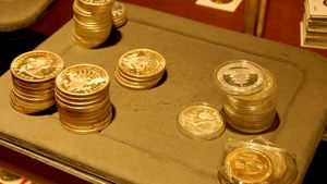 How to Buy and Sell Gold Coins for Profit